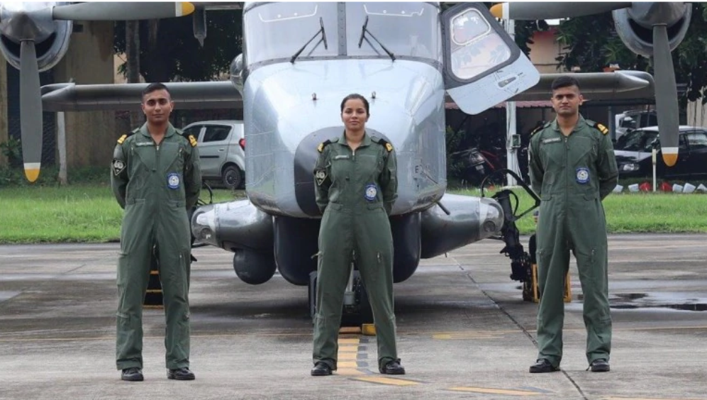 Sub-lieutenant Shivangi became the Indian Navy's first woman pilot